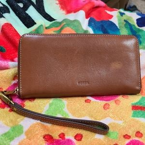 Fossil Emma Large RFID Zip Wallet - Brown Leather